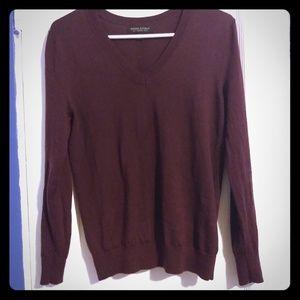 Banana Republic V neck 100% merino wool sweater